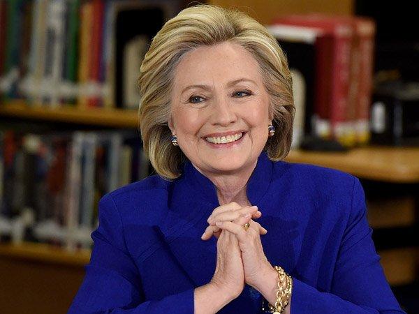 Клинтон опередила Трампа на 1 млн голосов избирателей
