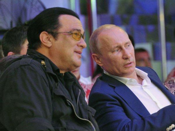 Путин предоставил российское гражданство Стивену Сигалу