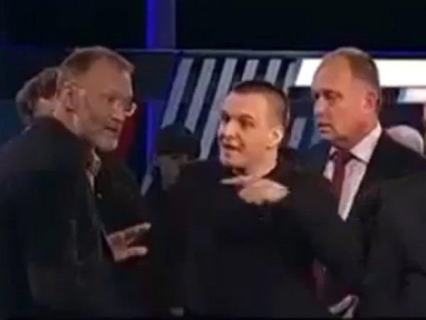 Поляка, оскорбившего Россию, побили в эфире ТВЦ (ВИДЕО)