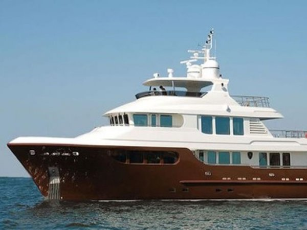 СМИ нашли в Сети выставленную на продажу яхту Януковича-младшего (ФОТО)