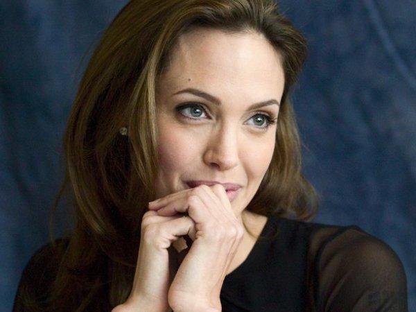 Анджелина Джоли, последние новости: актриса переехала в Лондон – СМИ (ФОТО)