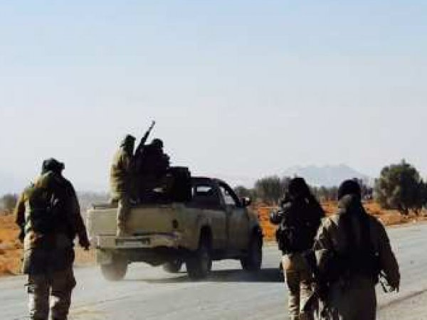 Боевики ИГИЛ показали захваченные танки, пленных и зачистки в Пальмире (ФОТО, ВИДЕО)