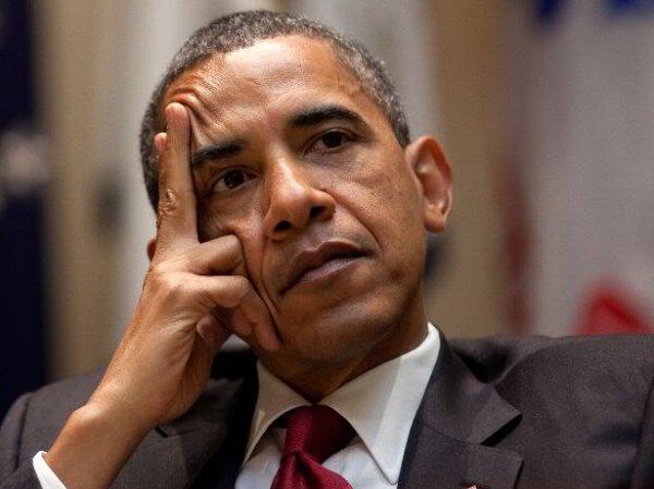 """""""Наложил под стол"""": в соцсетях поглумились над """"потерянным разумом"""" Обамы (ФОТО)"""