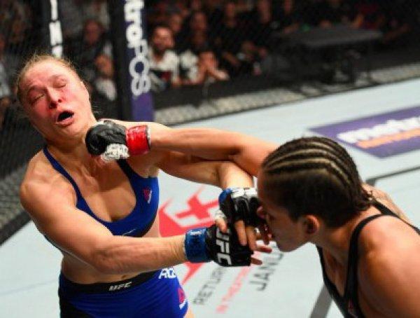 YouTube ВИДЕО: экс-чемпионка UFC Роузи была нокаутирована Нуньес за 48 секунд