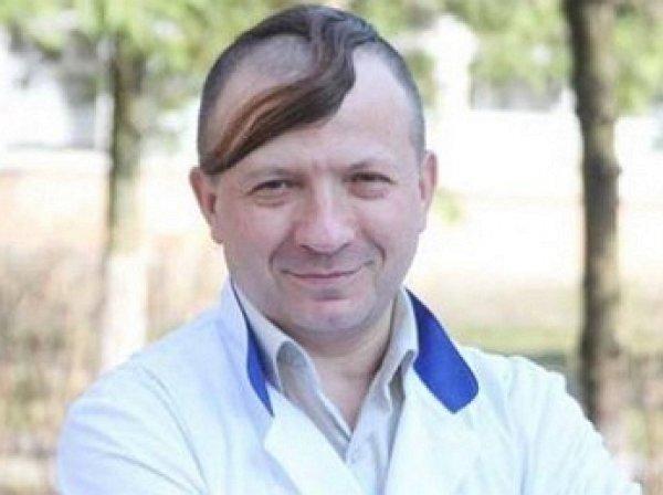 «Сопля на лбу» и вышиванка: украинский чиновник рассмешил Сеть своим видом (ФОТО)