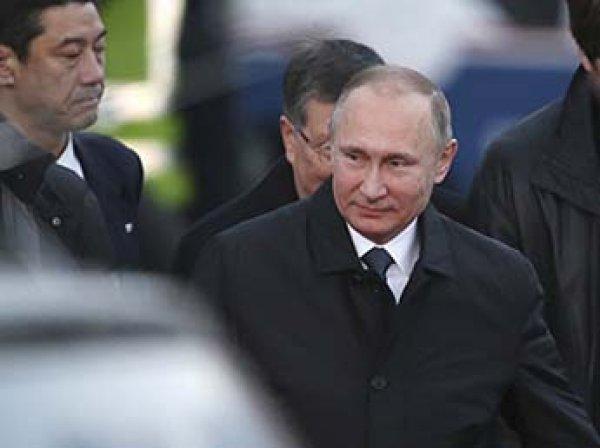 """""""Это просто опоздание"""": Путин опоздал с визитом в Японии, но генсек его защитил"""