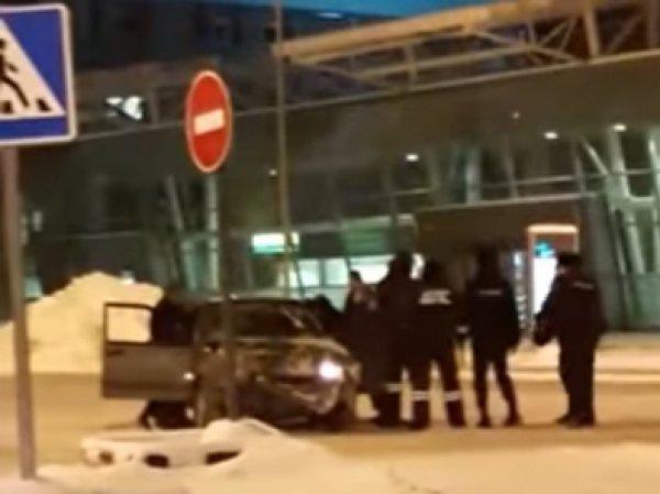 В Казани пьяный лихач протаранил здание аэропорта (ВИДЕО)