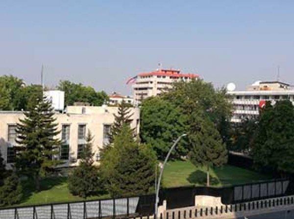 Мужчина открыл огонь и пытался прорваться в посольство США в Анкаре (ВИДЕО)
