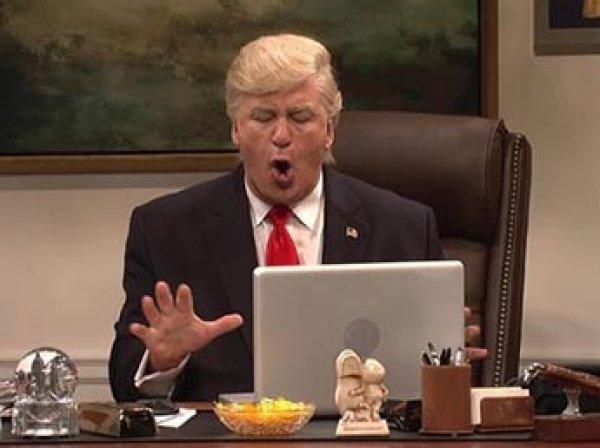 Алек Болдуин получил награду кинокритиков за пародию на Дональда Трампа (ВИДЕО)