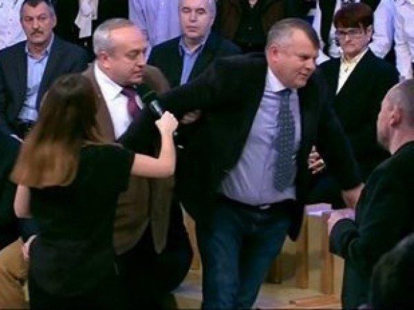 """Клинцевич вытолкал из студии """"Время покажет"""" украинского дипломата за несоблюдение минуты молчания (ВИДЕО)"""