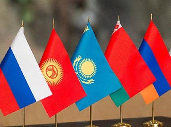 На саммите ЕАЭС лидеры всех стран, включая Киргизию, подписали таможенный кодекс