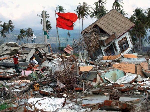 На YouTube появилось ВИДЕО смертоносного землетрясения в Индонезии (ВИДЕО)