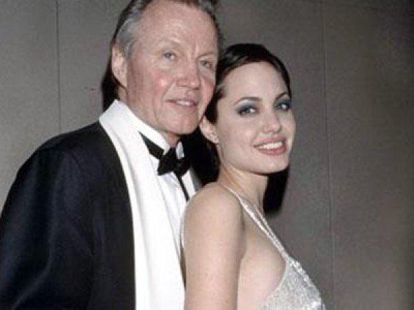 Анджелина Джоли, последние новости: отец актрисы рассказал о ее истощении (ФОТО)