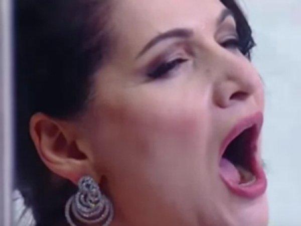 YouTube ВИДЕО: певица Герзмава опозорилась, исполняя гимн перед матчем Россия — Чехия