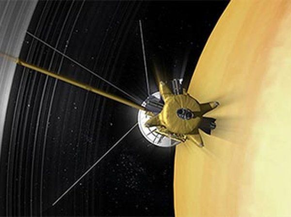 Зонд Cassini прислал самое детальное ФОТО Пандоры