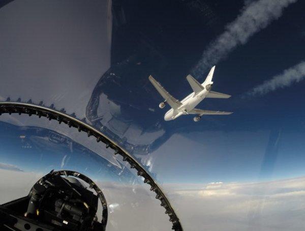 На YouTube обсуждают ВИДЕО вспышки в небе над Сочи в момент крушения Ту-154