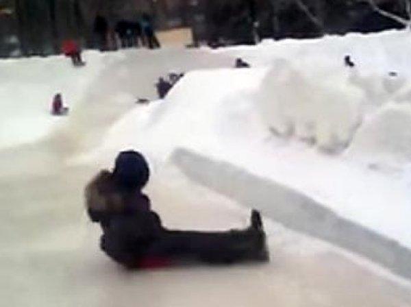 На Урале 40 человек пострадали после спуска по ледяной горке, возбуждено дело