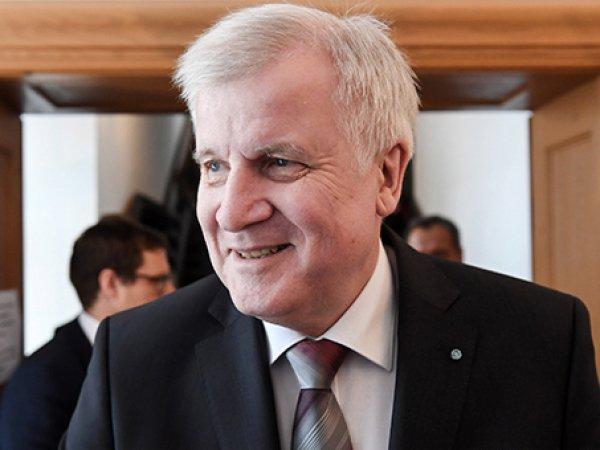 Премьер-министр Баварии призвал снять санкции с России