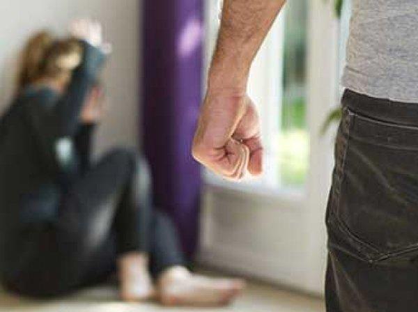 Госдума в третьем чтении отменила уголовное наказание за побои в семье