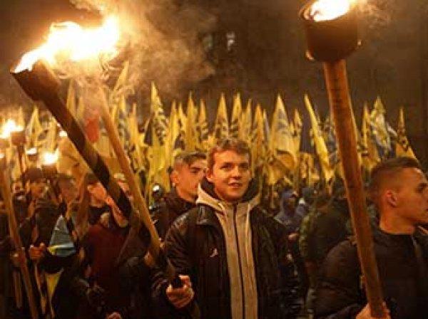 Во время факельного шествия в украинском Славянске прогремел взрыв (ВИДЕО)