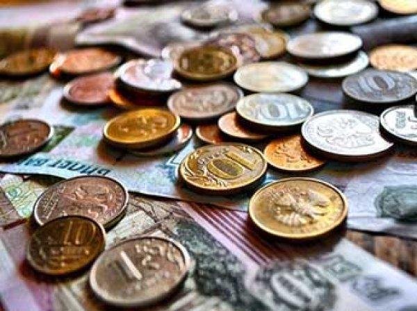 Минфин посчитал курс рубля завышенным и настаивает на девальвации