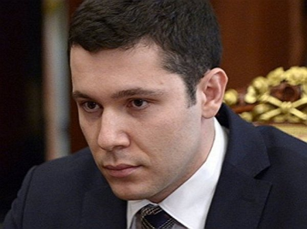 Калиниградского губернатора уличили в использовании символики неонацистов (ФОТО)