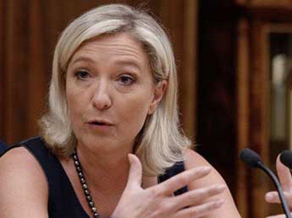 """Лидер французского """"Нацфронта"""" Ле Пен пообещала признать Крым российским при одном условии"""