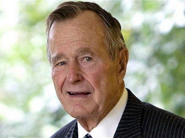 Джордж Буш-старший госпитализирован в реанимацию