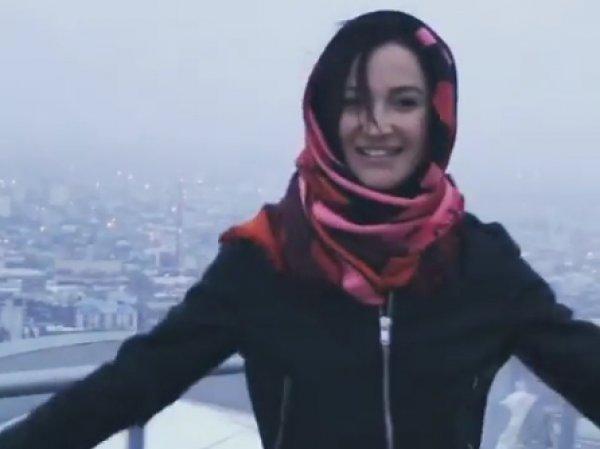 """""""Вчера в трусах, сегодня в платке"""": Бузова взорвала Instagram ФОТО и ВИДЕО из Чечни"""