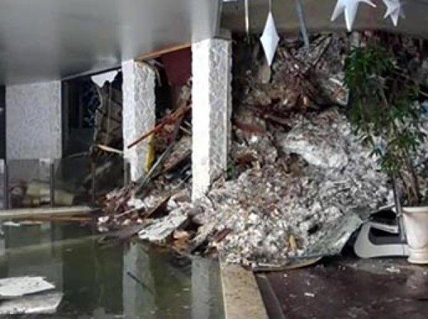 Землетрясение в Италии: лавина накрыла отель с туристами, есть жертвы (ФОТО, ВИДЕО)