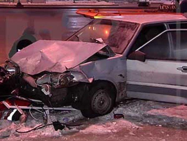 Авария на Кутузовском проспекте сейчас 28.01.2017: ВИДЕО страшного ДТП появилось в Сети