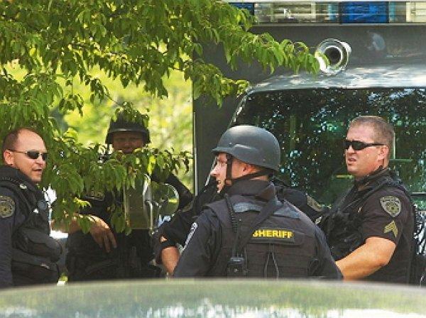 В Алабаме неизвестный захватил заложников рядом с университетом