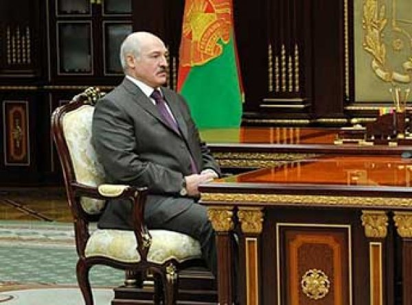 Лукашенко распорядился найти альтернативу российской нефти