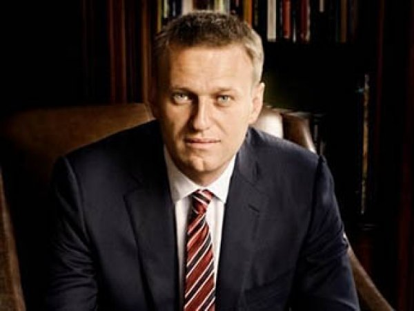 Приставы принудительно доставили Навального в суд Кирова