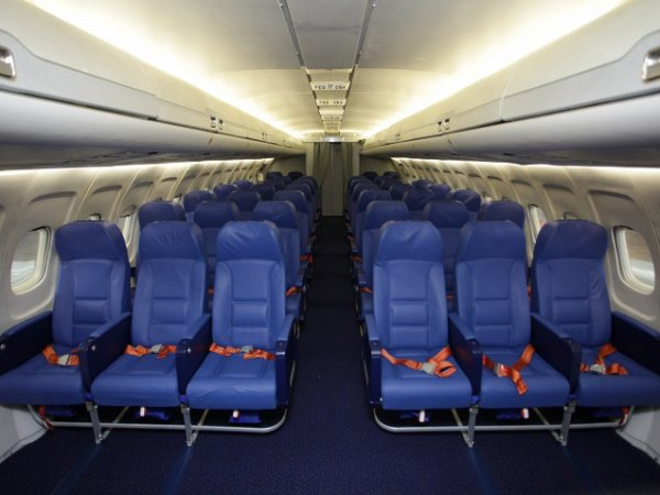 Саудовский принц купил 80 мест в самолете для своих соколов (ФОТО)