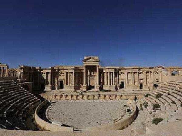 Боевики ИГИЛ разрушили древний амфитеатр в Пальмире
