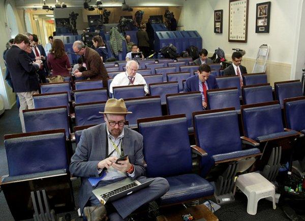 Журналистов CNN и The New York Times не пустили на брифинг в Белом доме