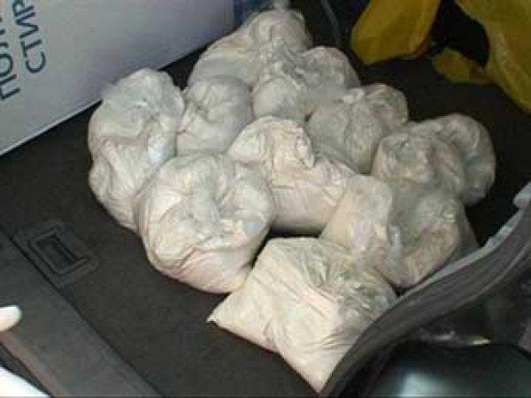 В Сибири задержали курьера с миллионом доз разных наркотиков