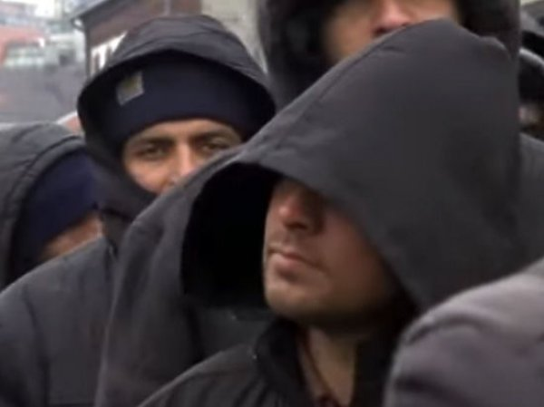 Офицер ФСБ в бегах рассказал иноСМИ, как Россия посылает в ЕС шпионов под видом мигрантов