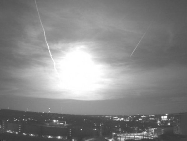 YouTube ВИДЕО: гигантский огненный шар в небе напугал жителей США
