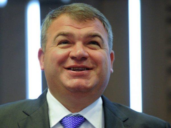 """СМИ: бывший министр обороны Сердюков может стать замглавой """"Ростеха"""""""