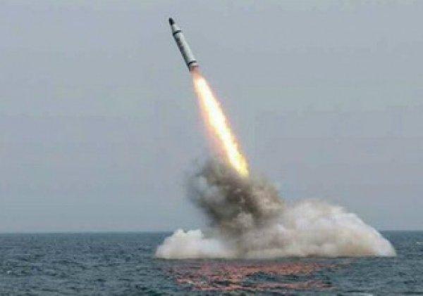 КНДР запустила баллистическую ракету в направлении Японского моря