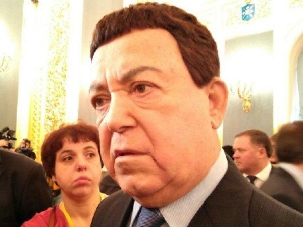 Депутат Госдумы предложил отправить на Евровидение Кобзона и хор Александрова