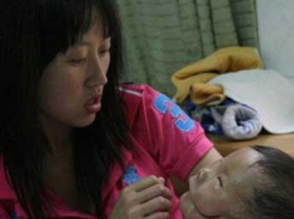 Сеть взорвали ФОТО китайского мальчика с двумя лицами