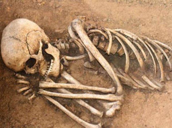 Уфологи нашли на Марсе трехметровый скелет гуманоида (ФОТО, ВИДЕО)