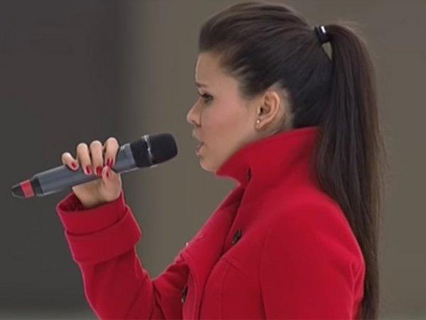 Освистанная в Швеции исполнительница гимна России объяснила свой конфуз (ВИДЕО)