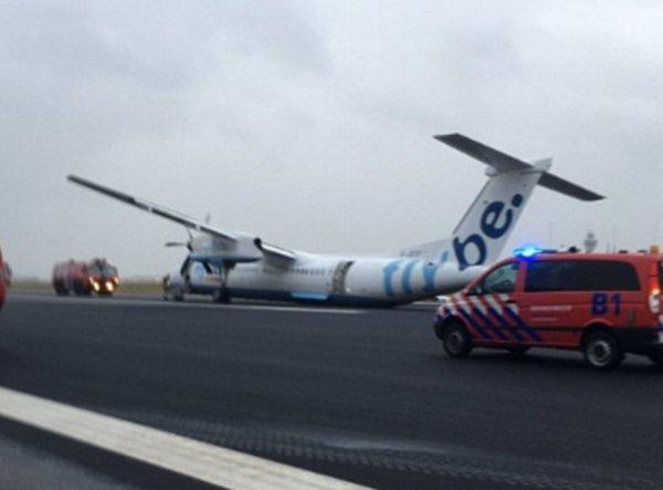 Пассажир снял на ВИДЕО жесткую посадку самолета в Амстердаме
