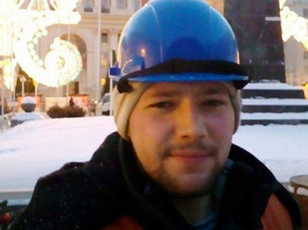 Захвативший в заложник свою семью мужчина выпрыгнул из окна своей квартиры (ФОТО, ВИДЕО)