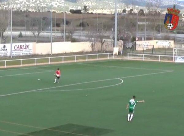 Вратарь испанской команды забил победный гол с 80 метров