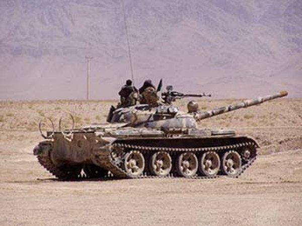 В Сирии танк Т-62 остался цел после попадания ракеты ИГИЛ (ВИДЕО)